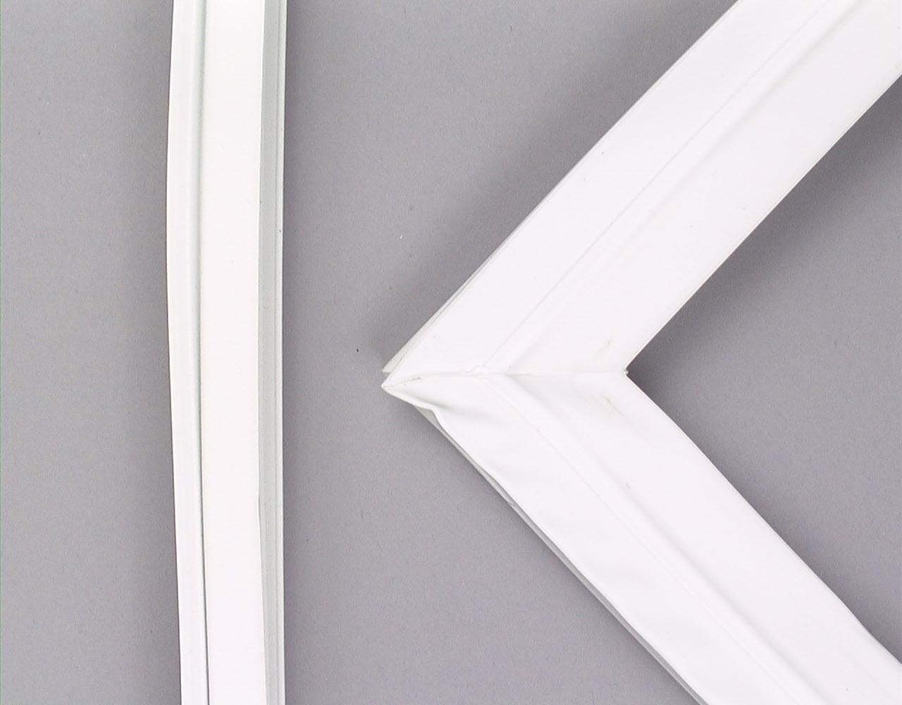 Kenmore Refrigerator Part # WP12550115Q - Door Gasket